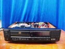 CD SONY CDP-555 ESD